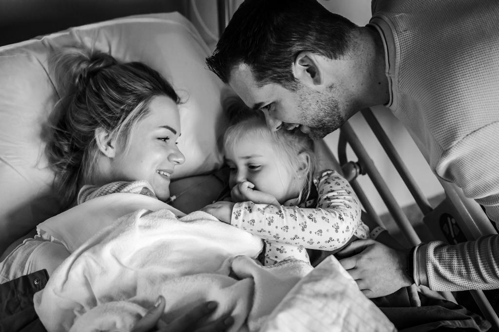 geboortefotograaf-keizersnede-sectio-fotograaf-bij-keizersnede-pure-life-geboortefotografie