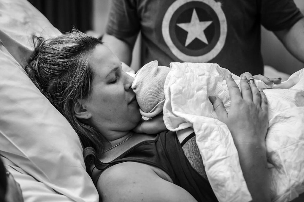 geboortefotografie0-veldhoven-geboortereporatge-pure-life-geboortefotografie-natuurlijke-bevalling