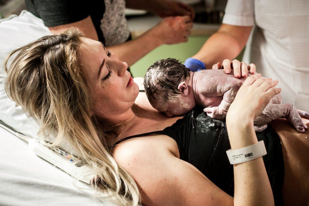 geboortefotografie-zuyderland-geboortereportage-geboortefotograaf-pure-life-geboortefotografie