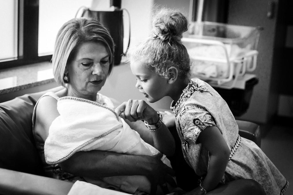bevalling-geboorte-pure-life-geboortefotografie-geboortefotografie-limburg