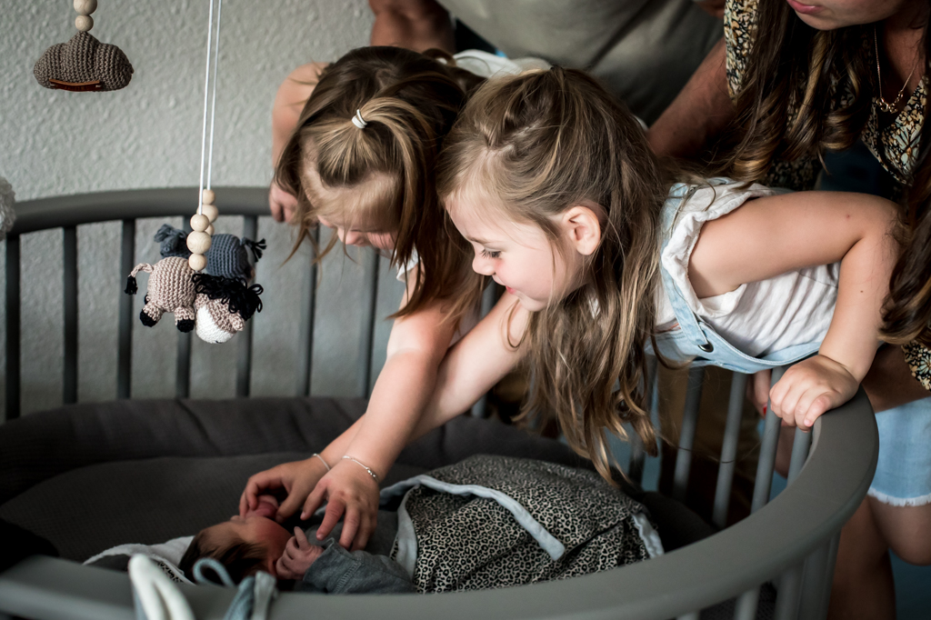 bevalling-pure-life-geboortefotografie-geboortereportage-eerste-ontmoeting