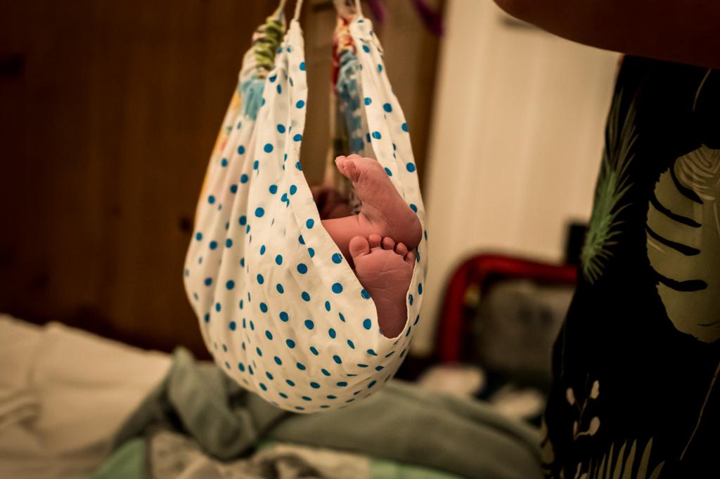 badbevalling-thuisbevalling-geboortefotograaf-limburg-pure-life-geboortefotografie