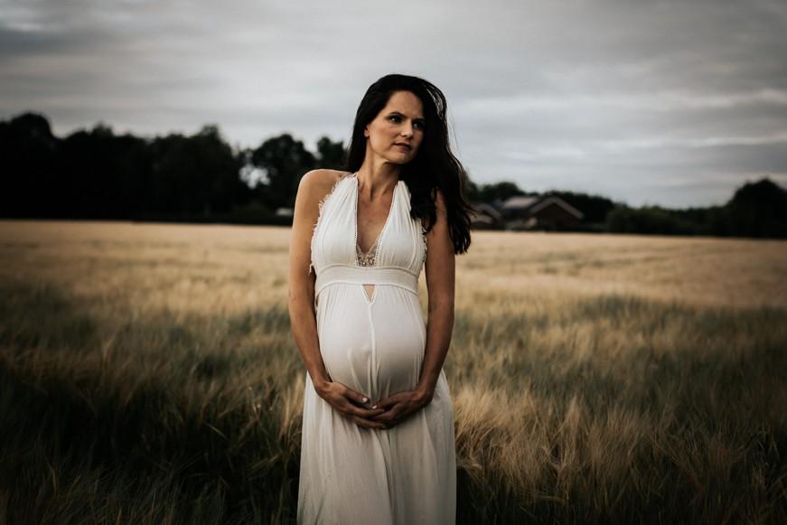 zwangerschap-zwangerschapsshoot-fotograaf-voor-zwangerschap-pure-life-geboortefotografie