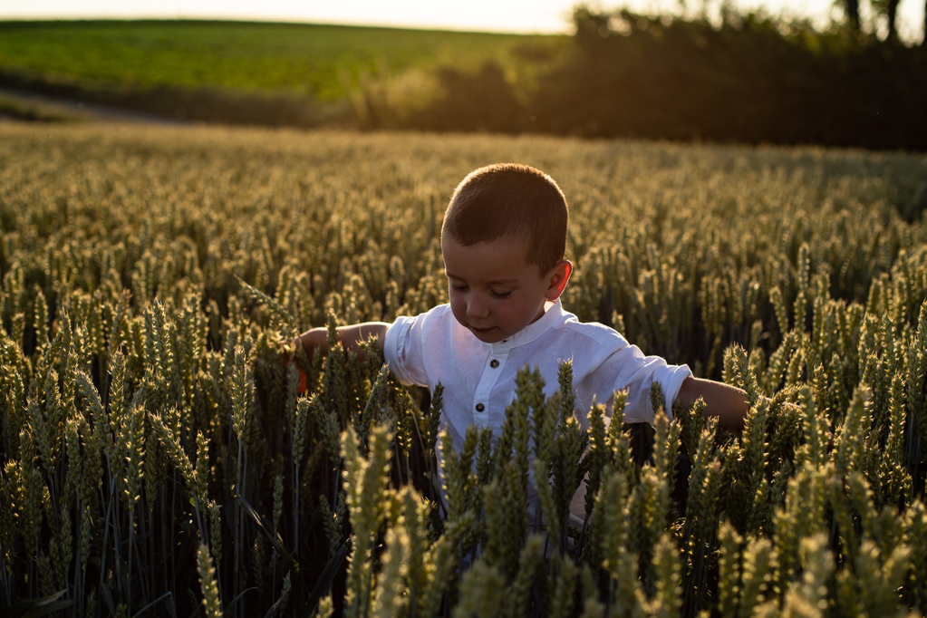 zwangerschapsreportage-zwangerschapsshoot-zonsondergang-pure-life-geboortefotografie