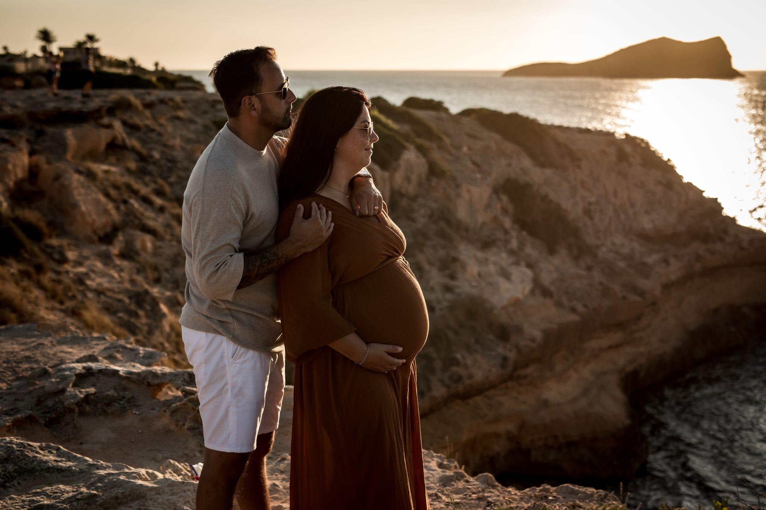 Nicole en Jelle - Golden Hour - Ibiza - Zwangerschapsreportage