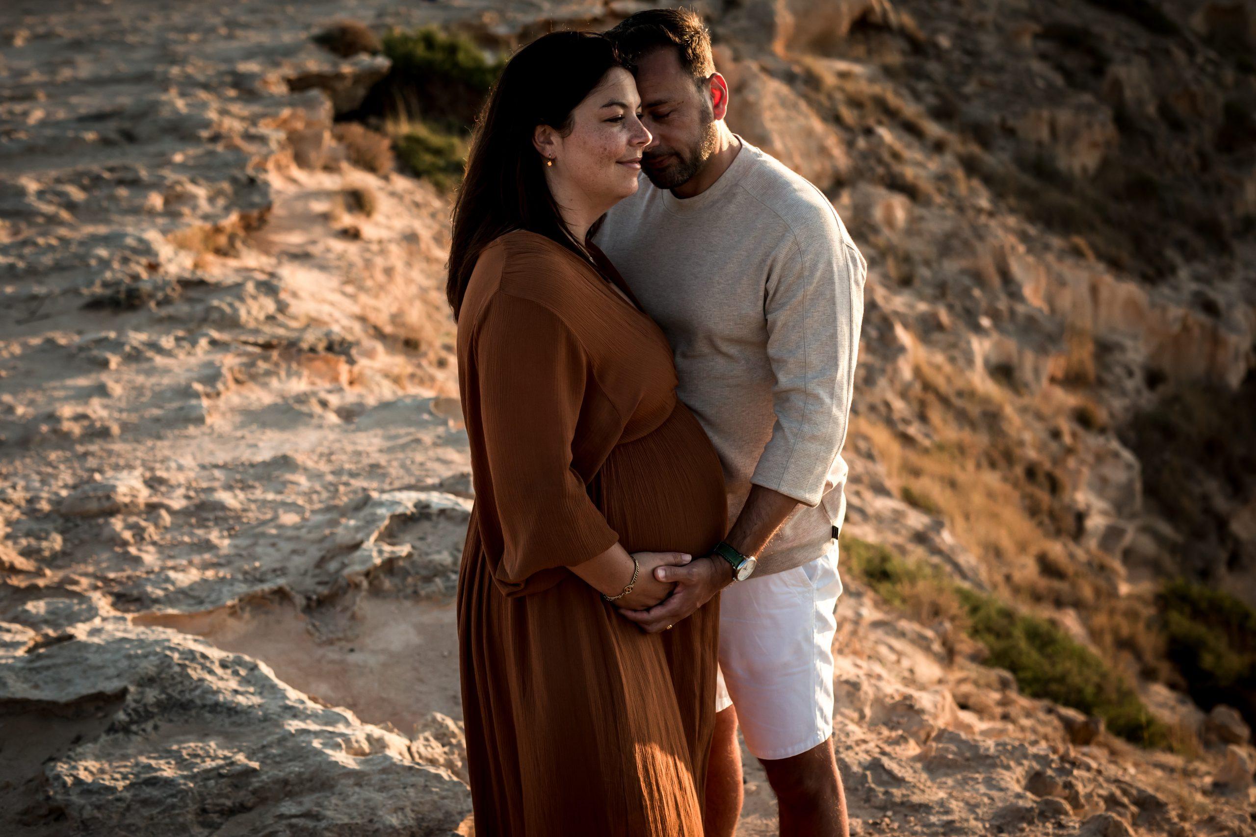Nicole - Zonsondergang - Ibiza - Zwangerschapsreportage